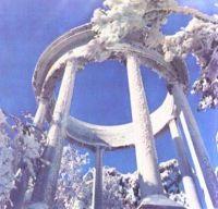 Серебряная беседка зимой (по дороге к вершине Ай-Петри)