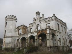 замок Монжене | достопримечательности Крыма | montgenet castle 01