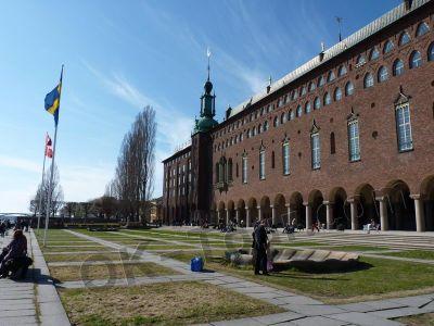 городская ратуша Стокгольма - у воды -  city-hall-stockholm
