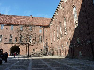 городская ратуша Стокгольма - во внутреннем дворе -  city-hall-stockholm