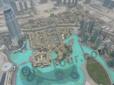 вид на поющие фонтаны Дубая с Бурж Халифа (400м)