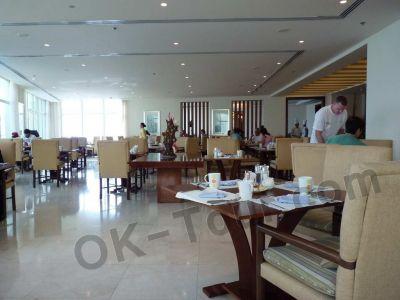 один из ресторанов jal fudjairah hotel 5*