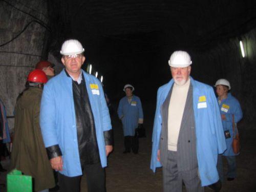 соляная шахта Артёмовска: под землёй экскурсию встречают технологи шахты