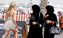 Какую одежду брать девушке в Дубай?